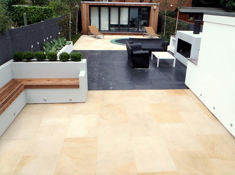 Contemporary outdoor living